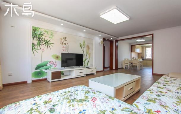 鴿子窩公園附近三室兩廳自助度假公寓/可做飯/免費停車/免費WIFI