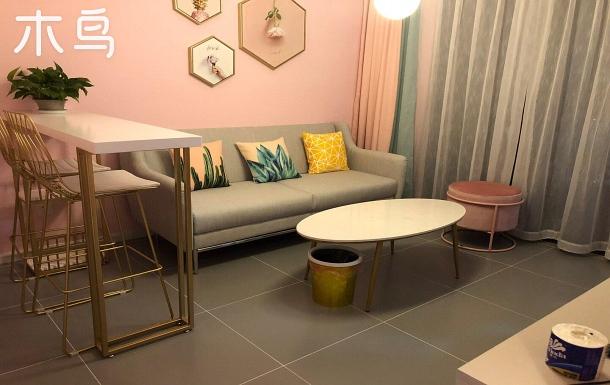 滇池國際會展中心山海灣 粉色公主 簡約時尚 一室一廳 有陽臺 套房整租