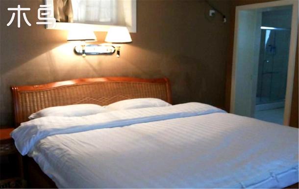 海邊四室一廳轟趴百年度假別墅