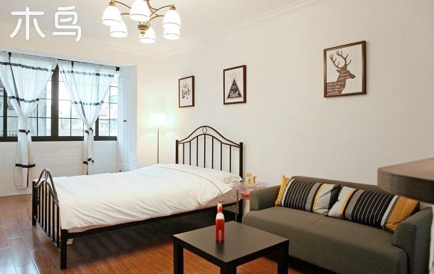 衡復文化區全新時尚設計公寓房,感受上海租界的中外友人共同生活的氛圍