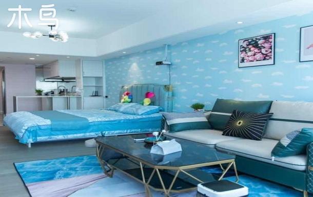 茂業公寓民宿-大床-投影-南向大窗看海-輕奢