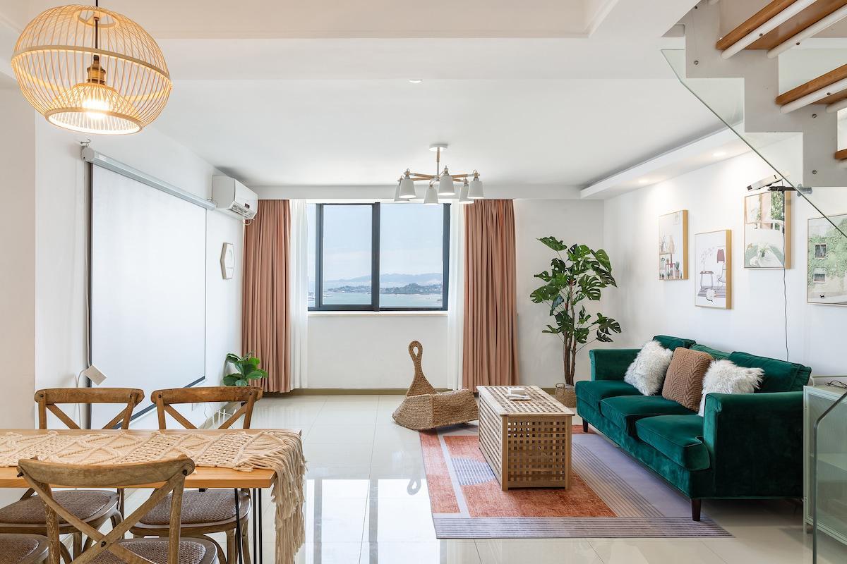 【臨海】廈門超大海景loft 獨立3臥 4床雙衛生間家庭房 窗外一線海景 出行便捷