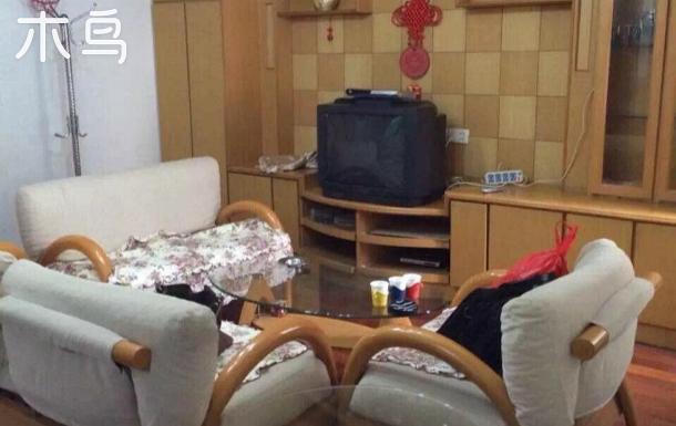三居室 房間和客廳都有空調 管道煤氣 可做飯