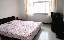 北戴河刘庄内家庭旅馆情侣大床房