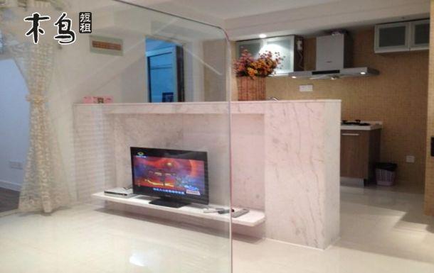 武汉光谷天地高品质复式公寓特价大床套房图片
