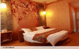 中式豪华    大圆床房