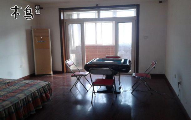 两室两厅110平米,高档精装修,整套出租,给您私密的空间.