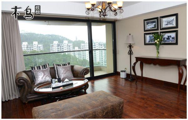 杭州拜登度假公寓杭州千岛湖至尊奢华园景大床套房