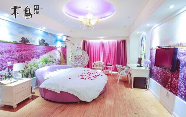 别墅欧式卧室圆床图片
