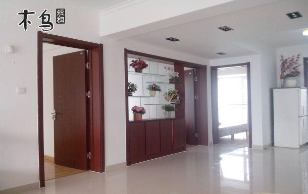 房源类型: 普通民宅 户型: 三室2厅1卫 出租类型: 整租 床型: 双人床