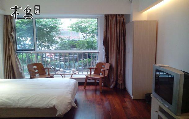 青岛国信体育馆证大深蓝公寓带空调厨房双人间
