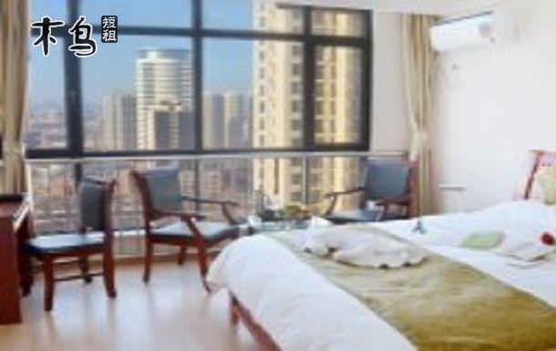 品质装修 品质生活  房间为开间设计,从装修装饰到家具选配,全部