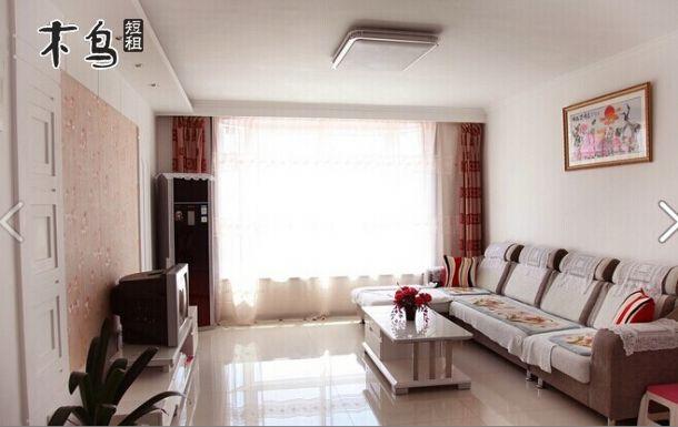 60平方两室一厅欧式装修卫生间加玻璃可以显的房间大