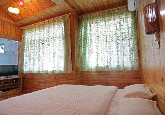张家界 清心小筑客栈   土家特色榻榻米房  森林公园