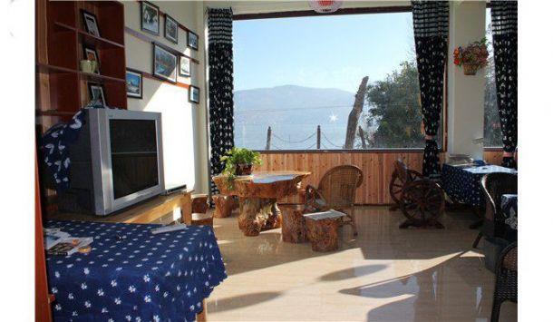 洱海附近 才村风景区 落地大玻璃海景阳台房