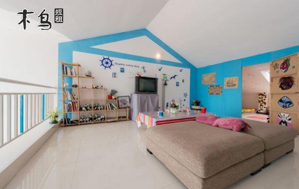 青岛金沙滩海景房 阁楼四床卧室