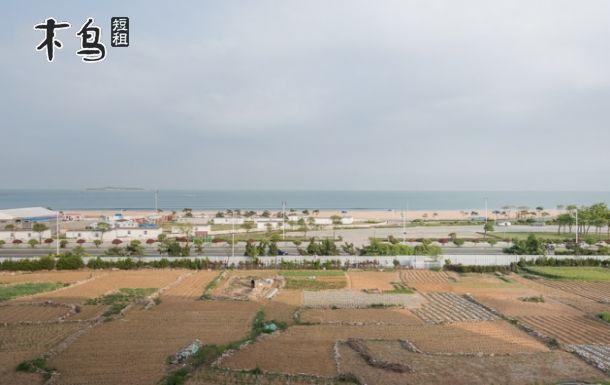 金沙滩旅游度假区位于山东省青岛市经济技术开发区内,是我国沙质最细