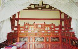 开元寺附近 雕花大床房