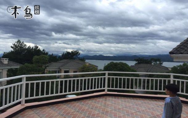 杭州聚会千岛湖上麒麟半岛的豪华欧式别墅
