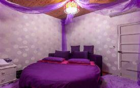 西塘景区内  紫色榻榻米圆床...