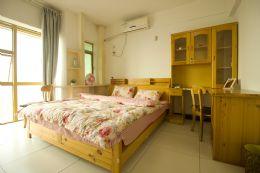 回家短租公寓高层美丽江景大床房