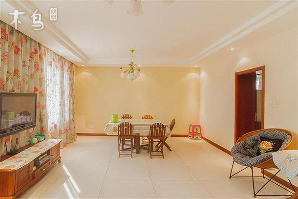 别墅外观3层,内部实际错层6层:1层餐厅厨房