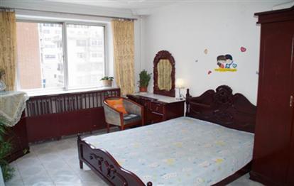 天津青岛扎啤美食城提供附近短租房