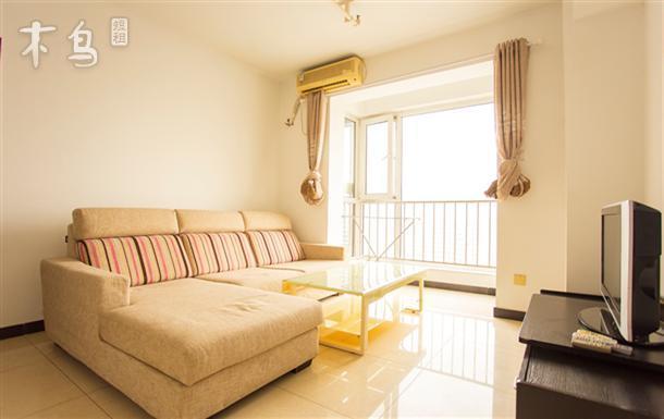 北京 东环广场a座附近短租公寓  艺术画室loft的双人沙发 两室 | 单间
