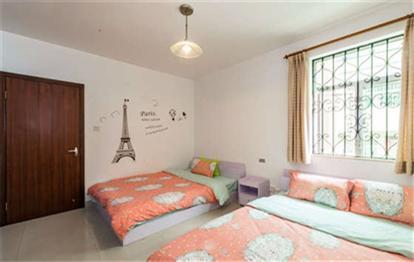 背景墙 房间 家居 起居室 设计 卧室 卧室装修 现代 装修 414_262