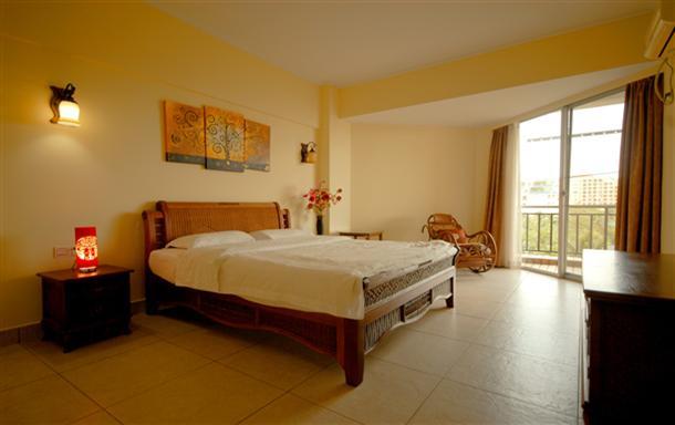 三亚湾 海豚公寓 高级海景蜜月套房