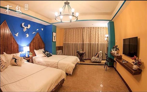 间)(温馨家庭间)(三人标准间) 公寓毗邻著名的国际邮轮码头—凤凰岛