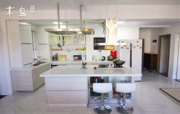 昆明高品质装修超大中岛厨房,近翠湖可住3人