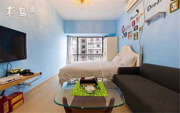 商务大床房 一室 | 整租 | 可住2人立即预订 京基100 豪华单身公寓房