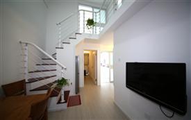 崂山区全新精装复式公寓石...
