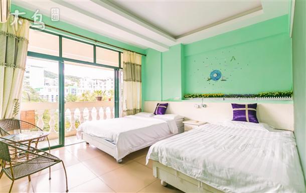 一室   整租   可住2人立即预订 三亚湾 金凤凰海景公寓 雅致园景房
