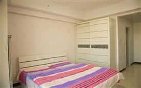 万达广场温馨一居室大床房