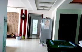 3室2厅,一厨一卫。电脑...