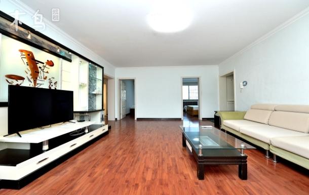 夏日時光三室兩廳兩衛雙淋浴家庭公寓
