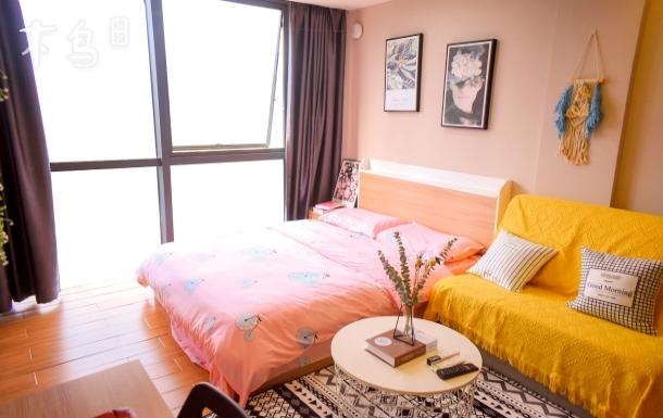 深圳北站地鐵口北歐簡約風設計/落地窗公寓