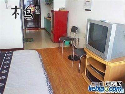 双人床 床数:1 可住人数:2人 卫生间:公寓 装修风格: 面积:0 发票:不