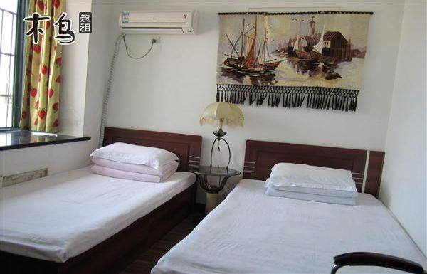北戴河海韵家庭旅馆舒适温馨的双人客房