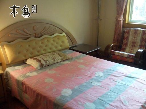 徐汇区3条地铁线之间的精装卧室