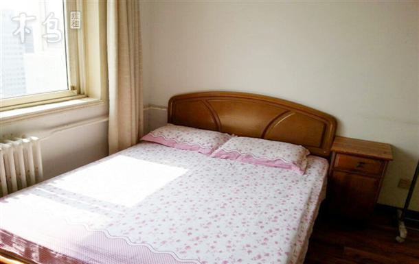 三居室单间出租   可免费上网 紧邻地铁