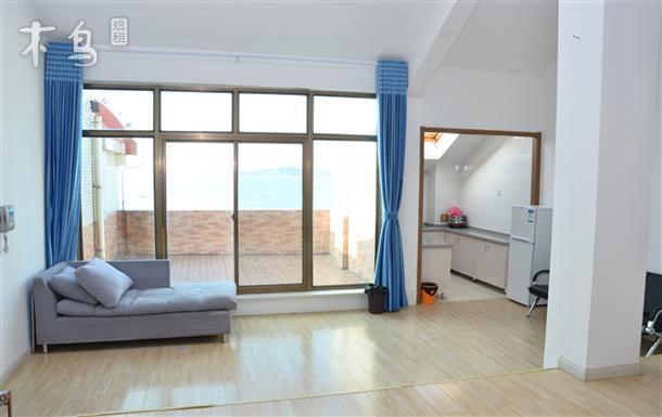 金海滩海水浴场一线海景房可住8人-带露天阳台