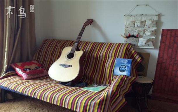 地铁2号线白云路附近可以弹吉他、敲鼓的文艺小屋