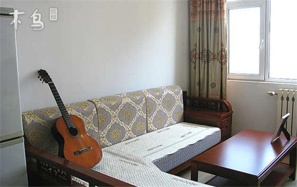 近栈桥公园  两室一厅一卫无敌海景短租日租