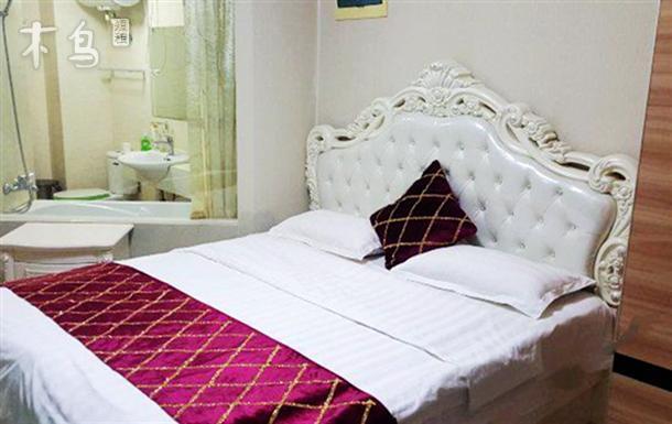 万达广场附近 温馨公寓 温馨豪华大床房