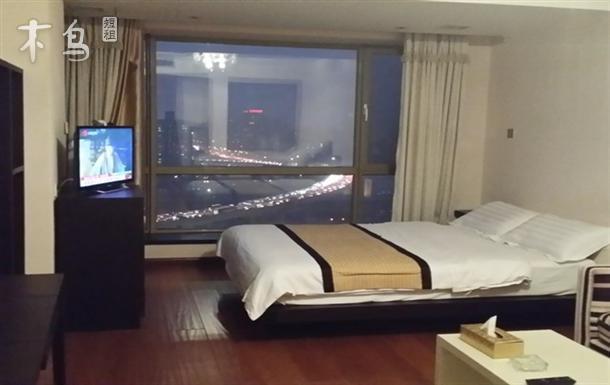CBD高档精美景观房大床房