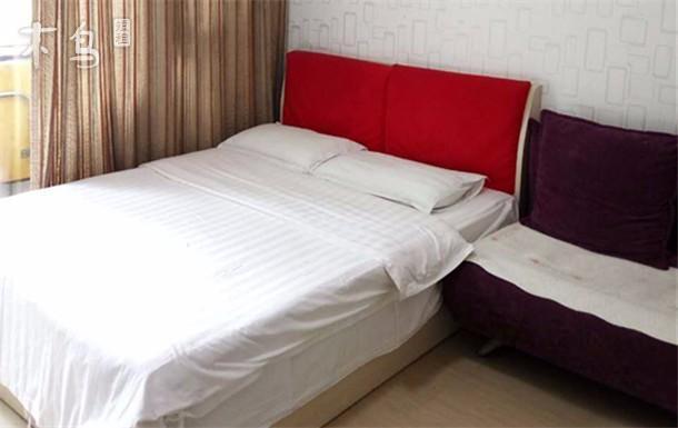 同仁医院附近的都市之家温馨公寓大床房