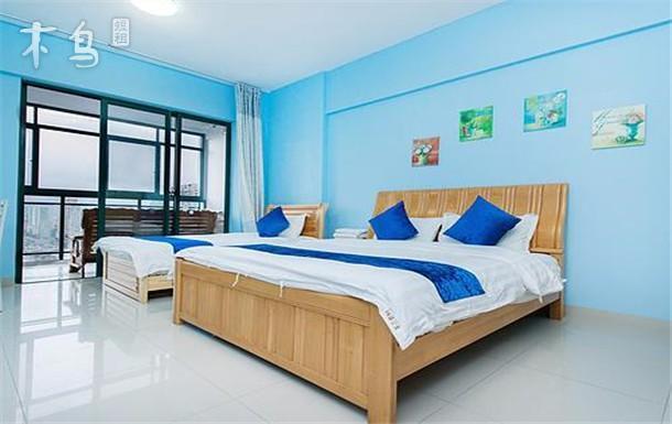 三亚湾侧海景家庭双床房